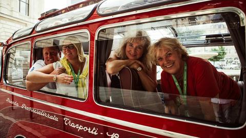 Mit dem Oldtimer-Bus zu den Beach Boys