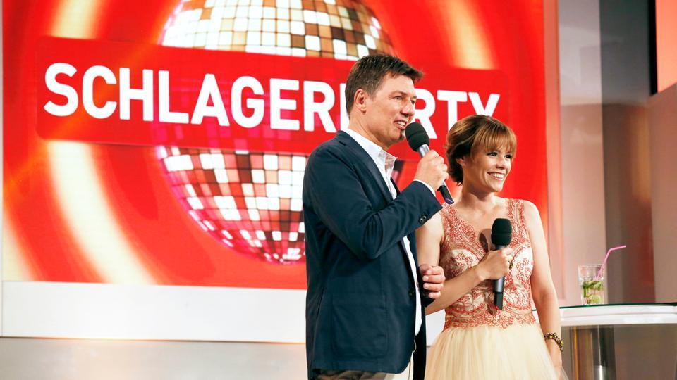Die Moderatoren Francine Jordi und Dieter Voss