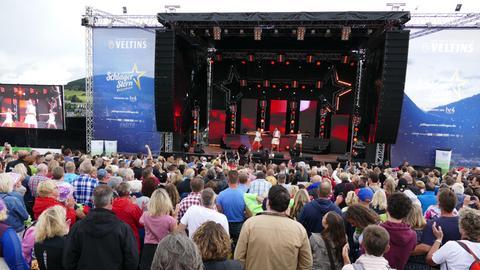 Schlagerstern Willingen 2016 - Blick übers Publikum auf die Bühne