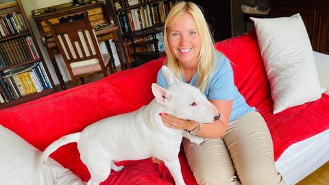 Britta Wiegand und Hund Alfie