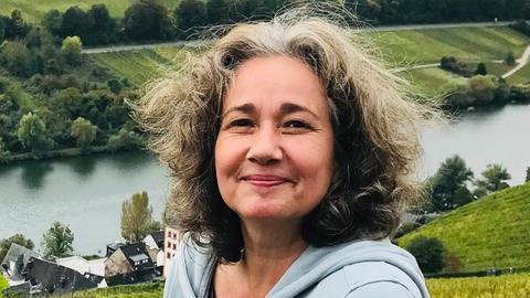 Diane Steffens in Weinbergen an der Mosel