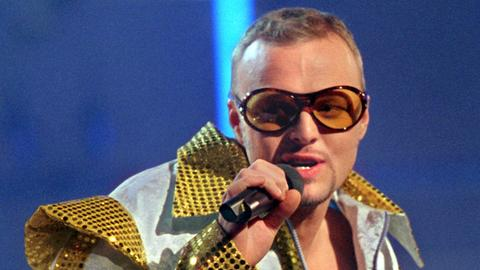 Stefan Raab trat 2000 selbst als Sänger beim ESC auf