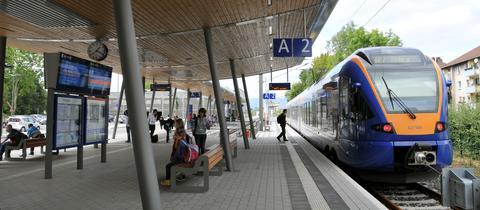 Ein Cantus steht im Stadtbahnhof von Eschwege