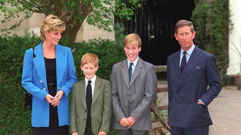 Prinzessin Diana und Prinz Charles mit ihren Söhnen William und Harry 1995