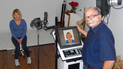 Fotograf aus Fulda erfindet Maske mit Gesicht