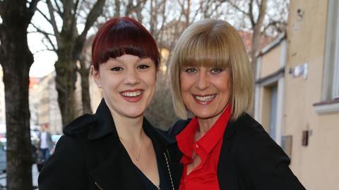 Mona Seefried (rechts) und Laura Schneiderhan 2015