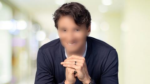 """Uwe Becker mit """"Photoshop-Maske"""""""