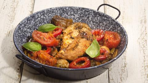 Hähnchenbrust mit Tomate und Gorgonzola