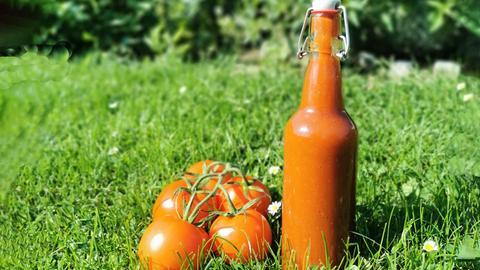 Eine Flasche Ketchup nach dem Rezept von Mario Kotaska