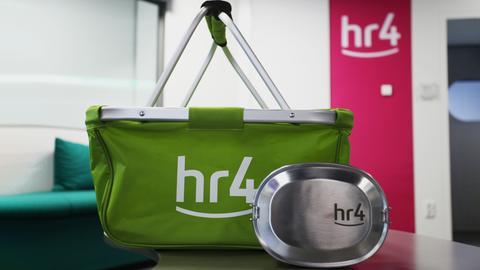 hr4-Einkaufskorb und hr4-Lunchbox