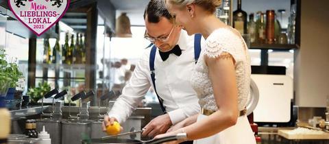 Katharina und Jörn Breitkreutz in der Küche