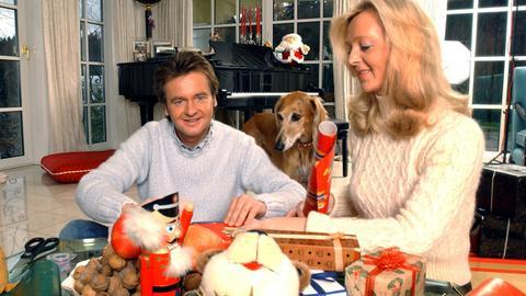 Uwe Busse feiert Weihnnachten - hier 2004 mit seiner Frau.