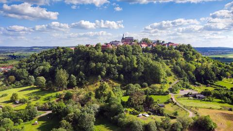"""Blick auf Amöneburg, die """"Stadt auf dem Berg"""""""
