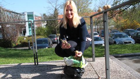 Britta Wiegand mit Kartoffeln