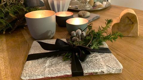 Geschenkverpackungen aus Zeitungspapier