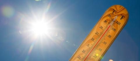 Thermometer in der Sonne