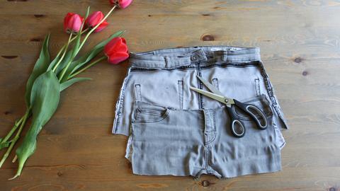 Gartenschürze aus einer alten Jeans