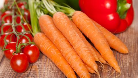 Karotten, Tomaten und Paprika