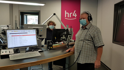OP-Pfleger Karl Heinz Schneider bei Diane Steffens