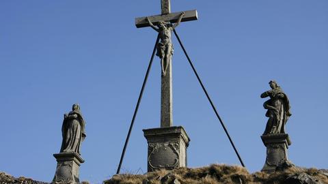 Die Kreuzigungsgruppe auf dem Gipfel der Milseburg