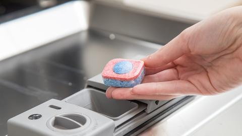 Geschirrspülen - Spülmaschinen-Tabs