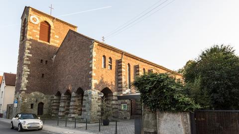 Pfarrkirche St. Jakobus in Frankfurt-Harheim